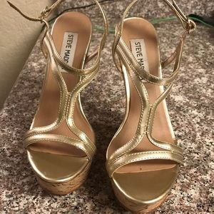Steve Madden gold wedge heels